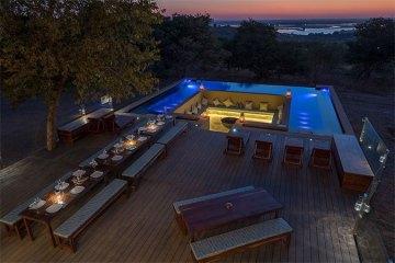 Hotel-Kasane-Fotoreise-Botswana-Wildlife-Pool