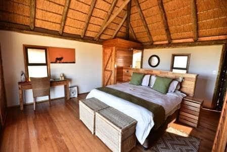 Fotoreise-Kalahari-Ta-Shebube-Rooiputs-Zimmer