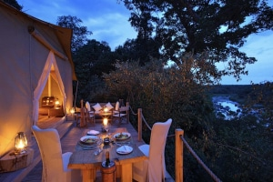 Fotoreise-Kenia-Lodge-Dinner