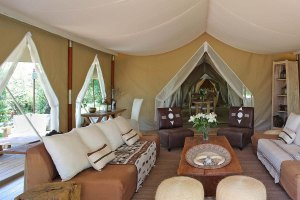 Fotoreise-Kenia-Lodge-Lounge